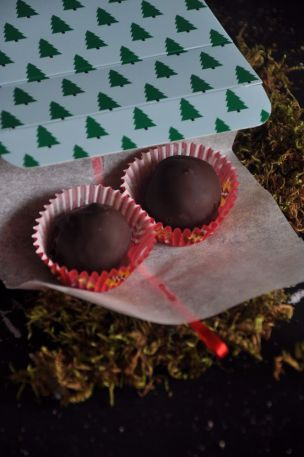 Cioccolatini marzapane e visciole