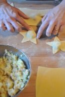 Stelle ripiene di patate, salmone ed erba cipollina