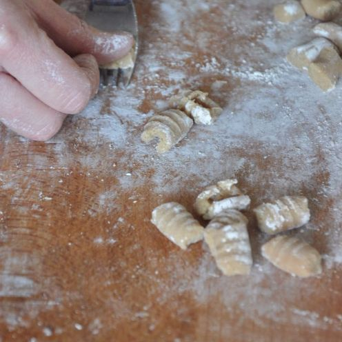 Realizzazione gnocchi di castagne