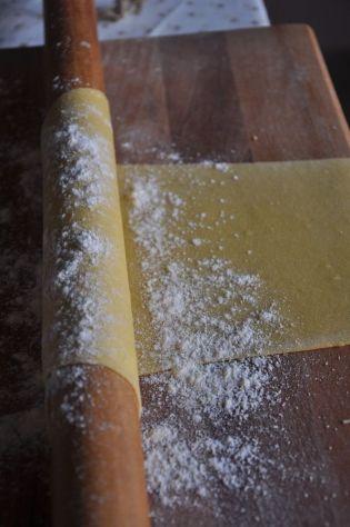 Pasta all'uovo per i tagliolini al culatello