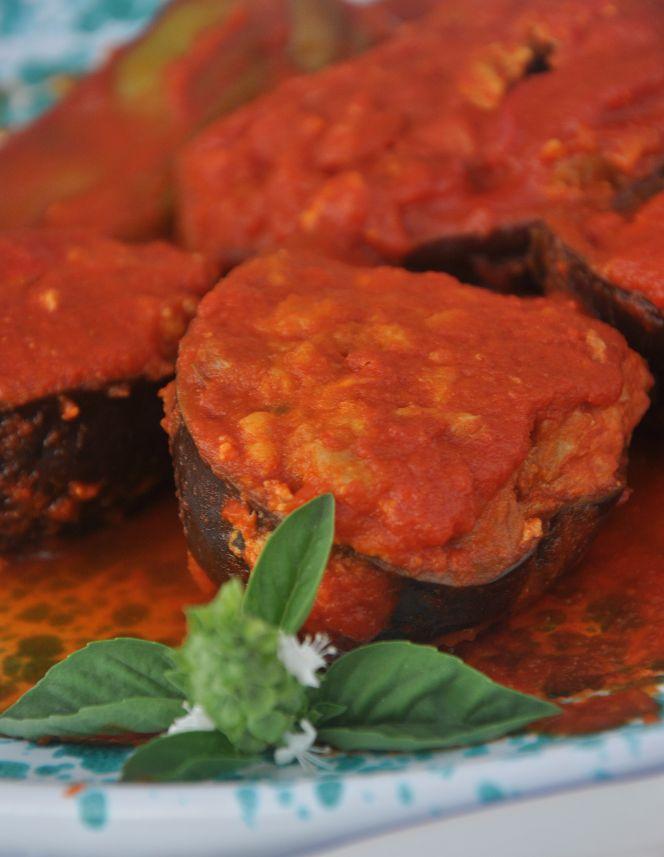 Melanzane ripiene, ricetta della cucina pugliese