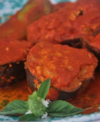 Ricetta della tradizione pugliese: melanzane ripiene