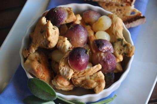 Pollo con uva e cipolline borretane