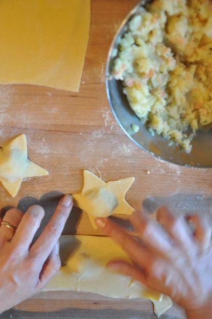 Pasta ripiena - stelle con salmone e patate