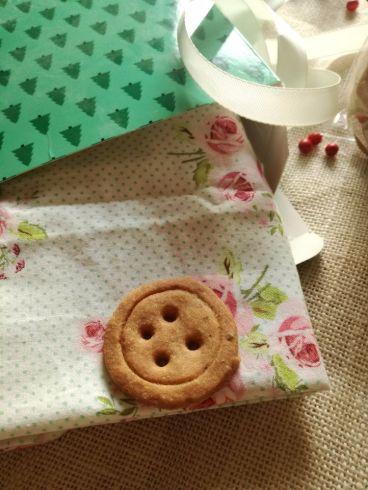 Biscotti alle nocciole a forma di bottone