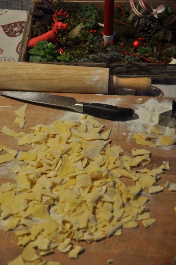 Pasta ripiena - stelle con salmone e patate - con i ritagli di pasta ho ricavato i maltagliati