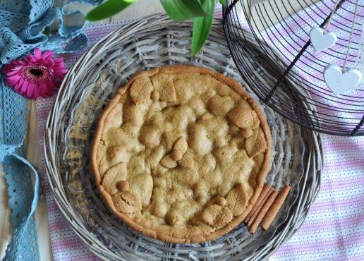 Crostata di frolla all'olio, con pere e cioccolato