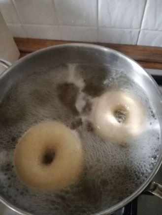 Bollire i bagels
