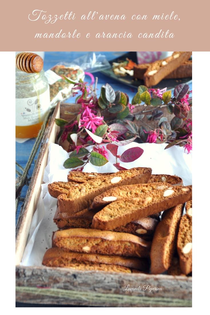 Tozzetti all'avena con miele, mandorle e arancia candita