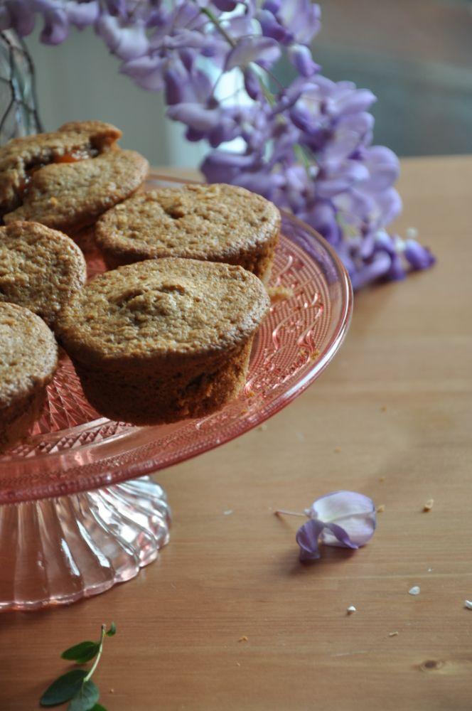 Tortine con farina di castagne e confettura di mele cotogne