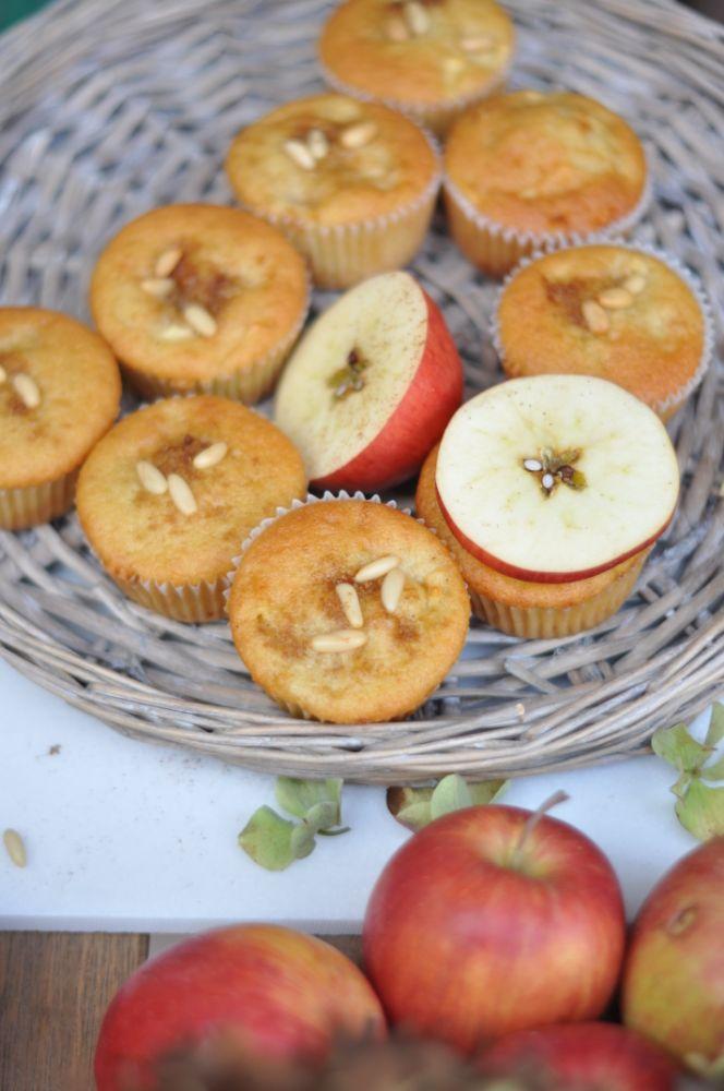 Muffin mele e pinoli