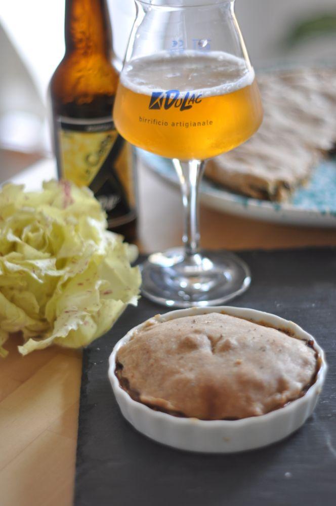 Torta salata al Variegato di Castelfranco , Casera e birra del birrificio DuLac