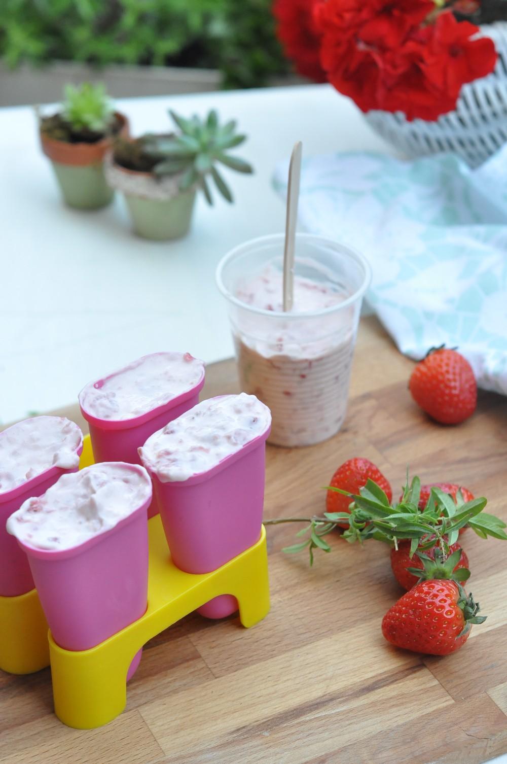 Ghiacciolo alla fragola e yogurt